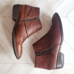 B.O.C brown leather ankle booties 8.5